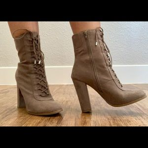 New Cute and Fashionable Boots Size 9